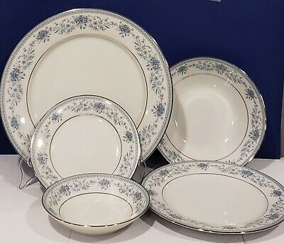 NORITAKE - BLUE HILL #2482 - Contemporary Fine China - 5 PC PLACE SETTING