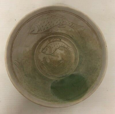 ANTIQUE 17thc  MANDALAY BURMESE BOWL  GREEN /CREAM GLAZED FISH DESIGN