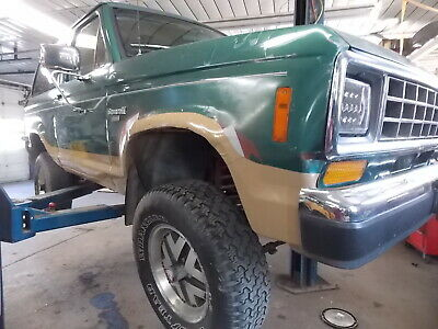 1987 Ford Bronco II Eddie Bauer 1987 Ford Bronco II, V6, 5 speed manual, runs and drives, needs rust repair