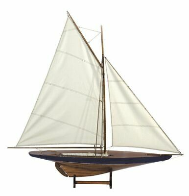 G416: Model of a Classic America's`S Cup Sailing Yacht for 1900