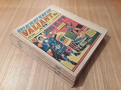 17 x 1972 Valiant Comics. Job lot. Valiant and TV21 and Smash