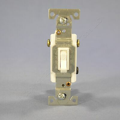 Cooper White Residential Toggle Light Switch 3-Way 15A 120V Bulk 1303W