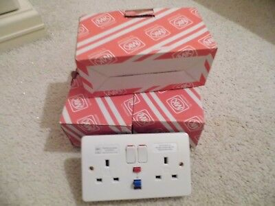4 x MK 2G RCD SOCKETS 30mA ACTIVE, WHITE, LOGIC PLUS, K6231WHI