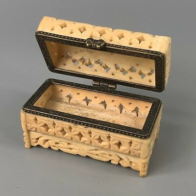 Chinese Old Rare Collectible B0ne Handwork Antique Usable Jewel / ring Box