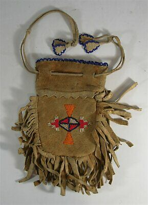 1910s NATIVE AMERICAN PLAINS / SIOUX INDIAN BEAD DECORATED POUCH DRAWSTRING BAG