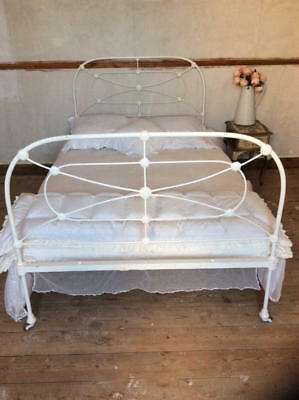 ~*Vintage French Chippy Paint Cast Iron 4ft Bed Frame*~