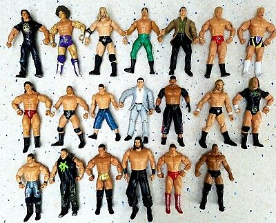 Large Job Lot Of  20  Wwe Wrestlers Wrestling Figures