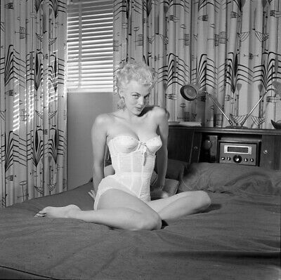 '50s Bunny Yeager Archive Camera Negative Photograph MARIA STINGER Bustier PinUp