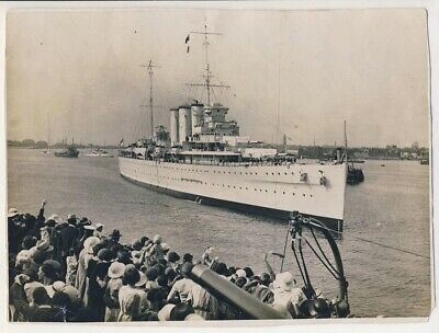HMS Suffolk carrying Chinese art treasures, Portsmouth, 1935, Old Photo