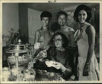 1968 Press Photo Women of three generations of a four-generation party, Texas