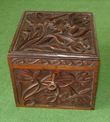 ANTIQUE BOX HAND CARVED ARTS & CRAFTS OAK BOX STYLISED FLOWERS MOTIF circa 1880