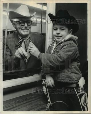 1970 Press Photo Billy Wayne Collins buys 1st Rodeo ticket from Pres. Buddy Bray