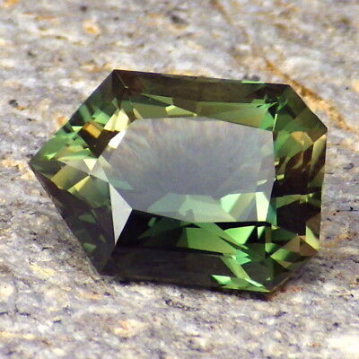 EMERALD GREEN DICHROIC OREGON SUNSTONE 4.96CtFLAWLESS-FOR HIGH-END JEWELRY-VIDEO
