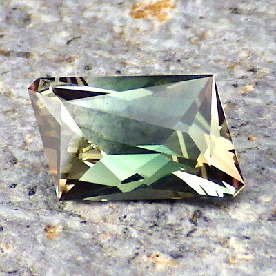 GREEN-BLUE OREGON SUNSTONE 1.21Ct FLAWLESS-EXTREMELY RARE COLOR FOR TOP JEWELRYO