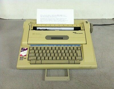 Smith Corona Electronic Typewriter w/ LCD Display And Dictionary NA3HH