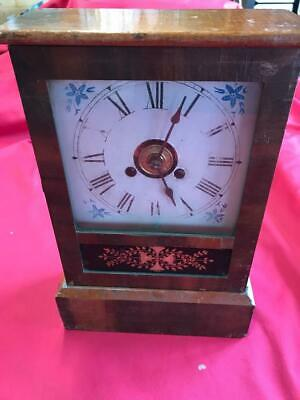 VINTAGE JEROME & Co NEW HAVEN WOODEN MANTLE CLOCK
