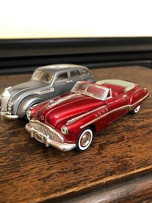 Lot Of 2 Signature Series 1949 Buick Roadmaster & 1936 Chrysler 1/32 Scale