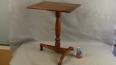 Antique Early 18C Tiger Maple Arched Trestle Foot Candlestand Table