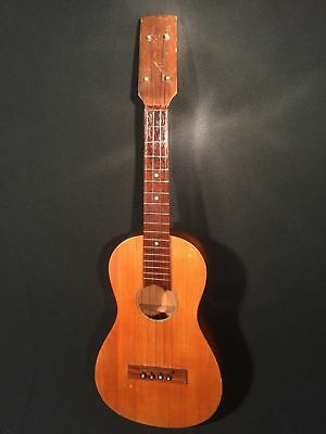 Vintage Ukulele with Friction Pegs, relatively small body, Tenor / Concert size