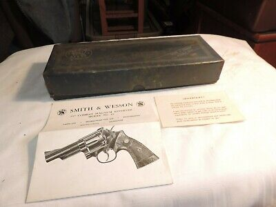 VINTAGE SMITH AND Wesson model 19  357 Combat magnum revolver box