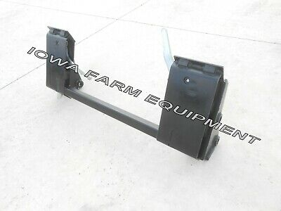 IH/International 1850,2000,2200 Pin-On Loader to Skid Steer Quick Attach Adapter
