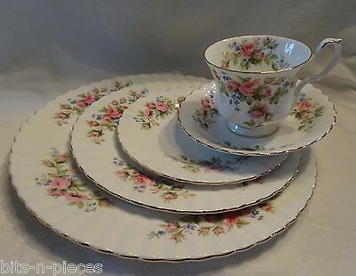 Royal Albert MOSS ROSE 5 Pc PLACE SETTING Dinner Salad Side Plate Cup Saucer