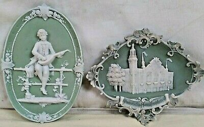 Lot 2 Decorations Murales WEDGEWOOD Medaillons Joueur Luth Palais Manufacture T