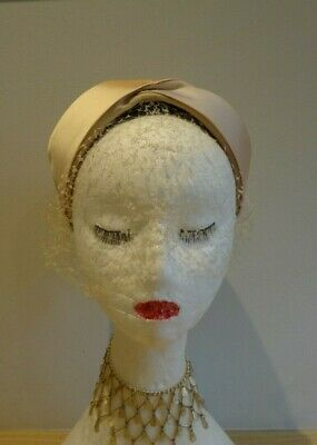 Vintage 1940/50's Biege Felt Structured Hat with Satin Detail and Netting