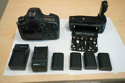 Canon EOS 7D 18.0MP DSLR Camera Black - Body w/battery grip, flash, accesories