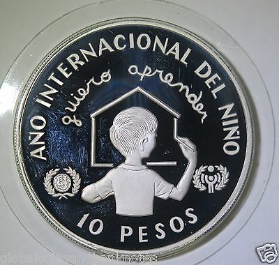 Dominica : 1982 Year of the Child 10 Pesos - Silver Proof