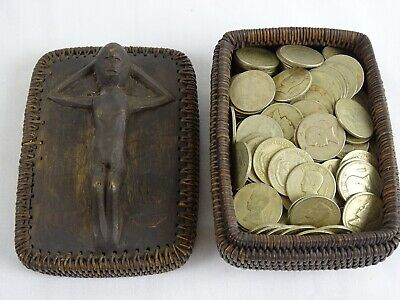 Old Ifugao basket  box with over 120 Philipinas c1974 1PISO Luzon Philippines