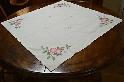 Vintage Linen White Tablecloth Embroidery Applique In Corners Lovely