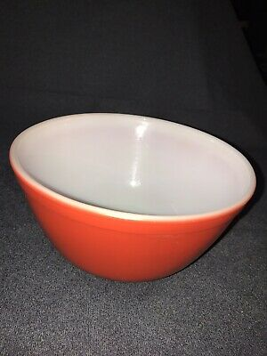Pyrex Ovenware Mixing Bowl Primary Red 1 1/2 Quart 402 in Good Condition