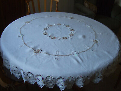 Pretty White LINEN Circular Tablecloth with Hand Crochet Work.Lovely Cond.