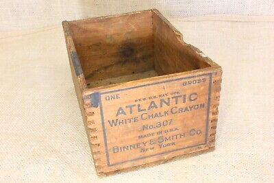 Vintage Dovetail Wood Box Union Ucraco Dustless Red Colored Chalk Crayons
