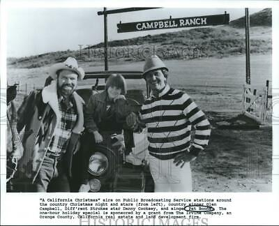 1985 Press Photo Pat Boone, Glen Campbell, Danny Cooksey at Campbell Ranch