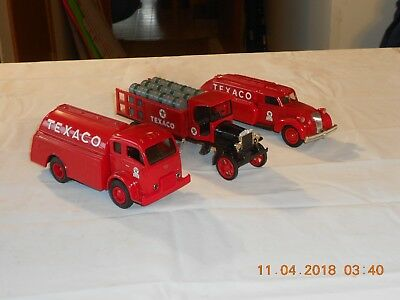 (3) Vintage Ertl Die Cast Metal Texaco Oil Truck Banks. All Have Keys