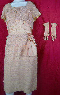 3c5450a62b3a4 L XL Vintage 50s Tiered Lace Side Swag Matching Gloves Peach Tea Dress