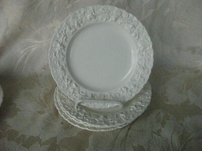 Beautiful Set of 4 Wedgewood Queensware Cream on Cream Shell Edge Dessert Plates