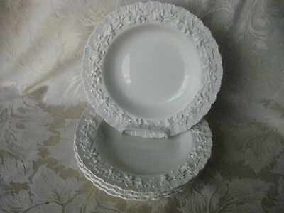 Beautiful Set of 4 Wedgewood Queensware Cream on Cream Shell Edge Rimmed Soups