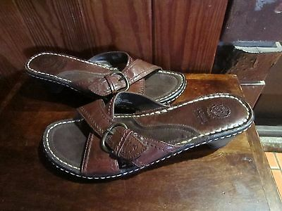 womens PLANET SHOES slip on style leather heel shoes SZ 8.5