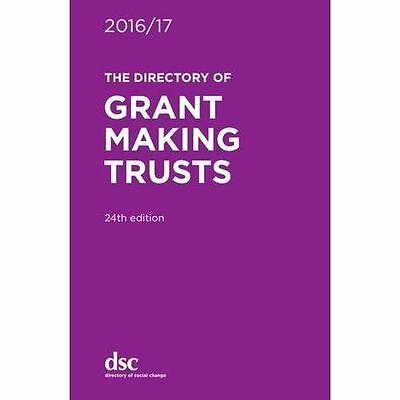 The Directory of Grant Making Trusts 2016/17 by Lillya, Denise, Zagnojute, Gabr