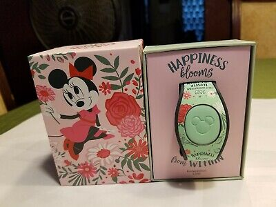 Disney Epcot Flower Garden Festival 2019 Minnie Magic Band MagicBand In Hand