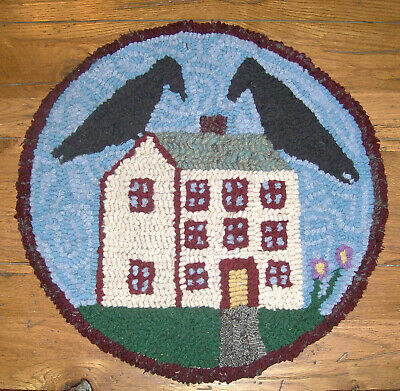 Crows on the Roof  Round Primitive Rug Hooking  Kit  with #8 cut wool strips