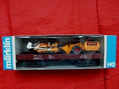 MARKLIN HO GAUGE 4474 LOW SIDED WAGON WITH WIKING BULLDOZER & TRACTOR - boxed