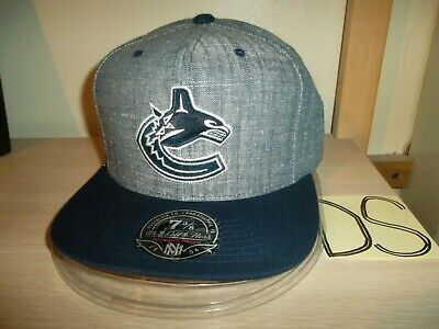 f69f0cd01e3 VANCOUVER CANUCKS NHL Mitchell And Ness Vintage Snapback Sharktooth ...