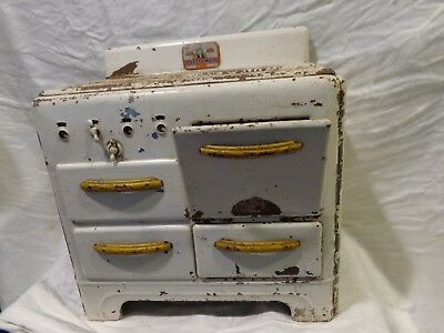 Antique Vintage Childs Marx Pretty Maid Toy Metal Yellow Handles Stove Oven