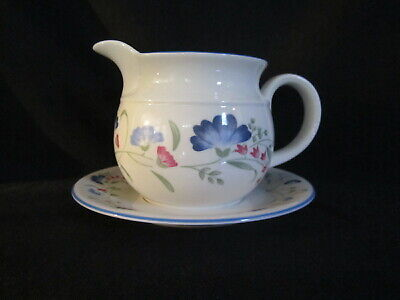 Royal Doulton - WINDERMERE - Gravy Boat and Stand