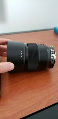 Sony SEL 85-85mm f/1.8 FE Lens (Comes with FREE lens hood)