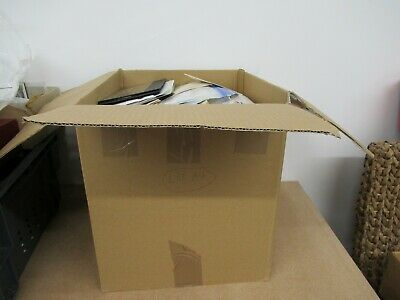 (lot A4) World stamps accumulation in large box collectors clearout